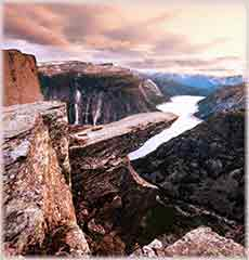 Mobile - PC Trolltunga in Norway jigsaw puzzle